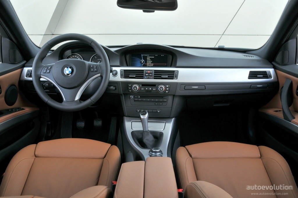 Bmw seria 3 e90 review masini rulate for Bmw serie 7 interieur